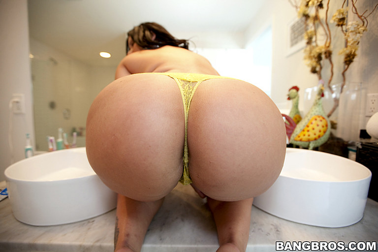 CLICK HERE FOR THE FINEST HONEY'S